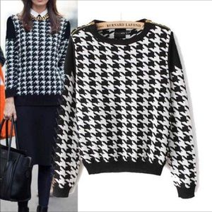 Sweaters - Checker Houndstooth pattern sweater with zipper